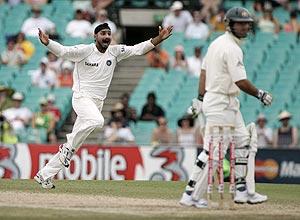 India vs Australia First Test Day four: Cricket live scores, updates