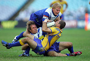 Bulldogs defence in action during the NRL, Round 6, Parramatta Eels v Bulldogs match at ANZ Stadium in Sydney, Sunday, April 19, 2009. The Bulldogs beat the Eels 48-18. AAP Image/Action Photographics, Grant Trouville