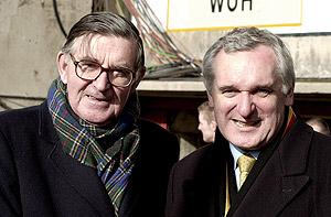 Legendary radio broadcaster Bill McLaren, left. AP Photo/John Cogill