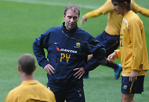 Socceroos coach Pim Verbeek oversees a training session. AAP Image/Julian Smith