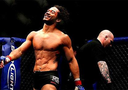 [VIDEO] Henderson vs Thatch highlights: UFC round-by-round updates