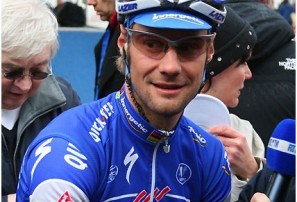 Tour of Qatar: Punctures, echelons and Boonen