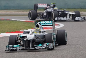 Rosberg roars into life in China