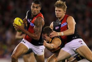 Western Bulldogs vs Essendon: AFL live scores