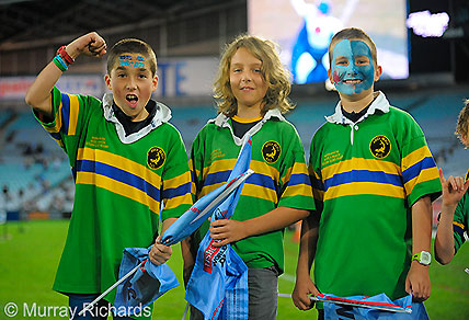 Young Waratahs fans at the Waratahs-Brumbies game. (Image: Murray Richards).