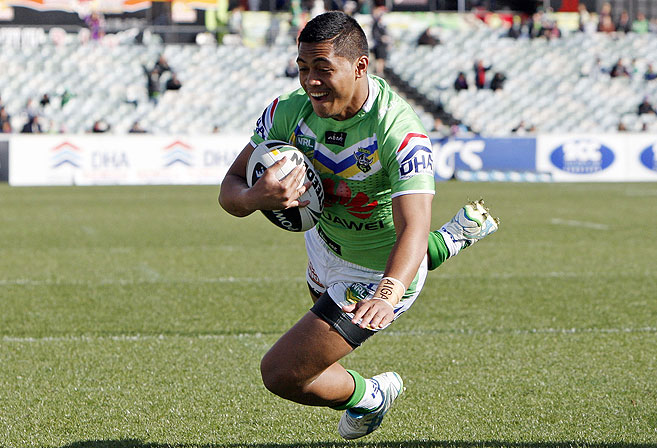 Anthony Milford scores a try. (AAP Image/Action Photographics, Renee McKay)