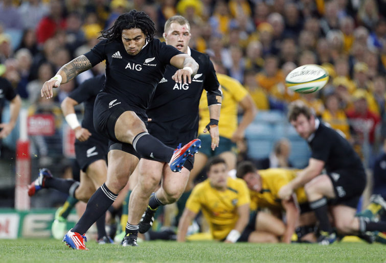 Ma'a Nonu kicks downfield