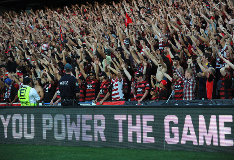 Wanderers' fans rejoice in A-League season 2013/2014 (AAP Image/Dean Lewins)