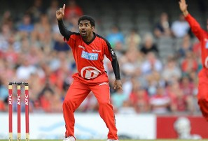 Muralidaran teaching Lyon new tricks