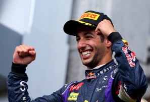 Ricciardo claims first win of 2017 in Azerbaijan