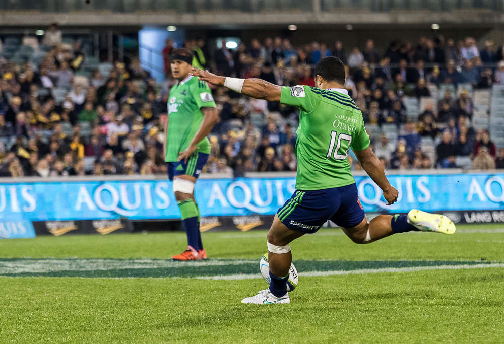 Lima Sopoaga for the Highlanders