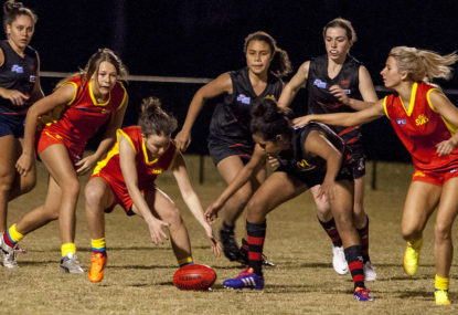 Women's footy fills in the bye round gap
