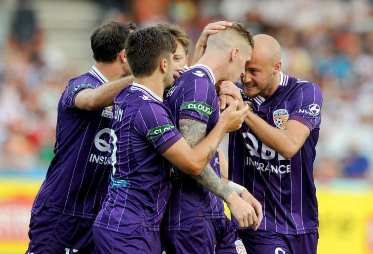 Andy Keogh and teammates Perth Glory