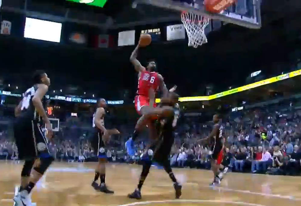 Clippers-NBA-dunk