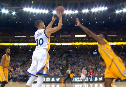 Warriors produce 25-point comeback to defeat Spurs