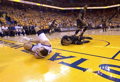 Bogut suffers knee injury as Warriors lose