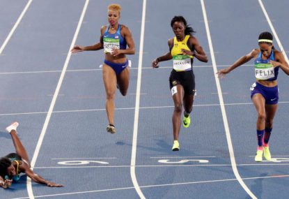 Shaunae Miller's dramatic dive wins 400m gold