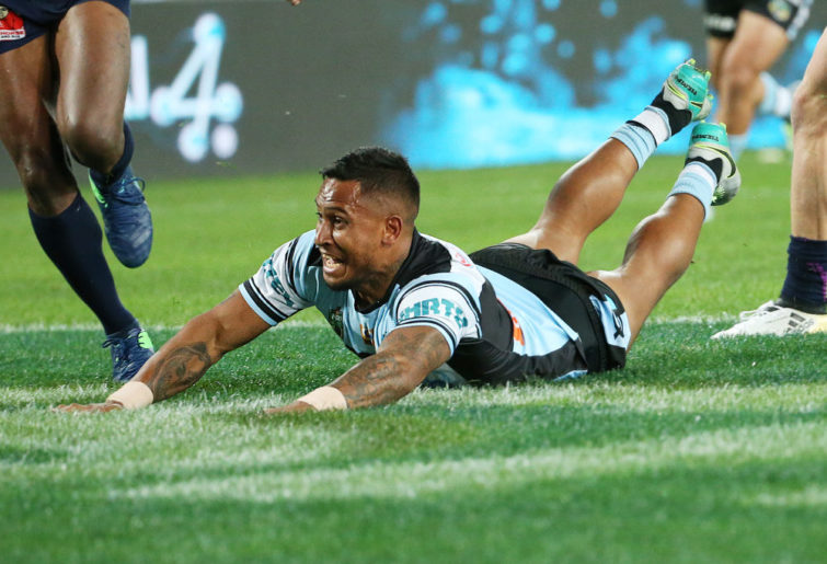 Ben Barba crossing for a try