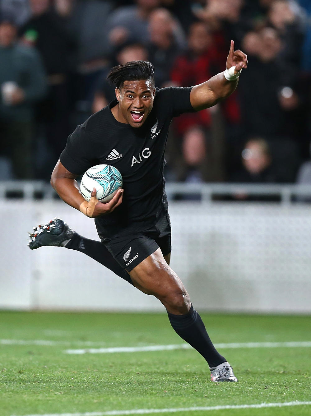 julian-savea-all-blacks-new-zealand-rugby-union-beldisloe-cup-2016-tall