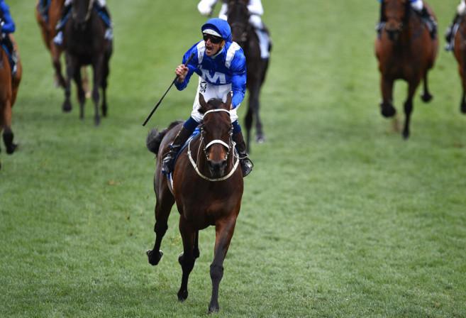 winx-hugh-bowman-horse-racing-cox-plate-2016