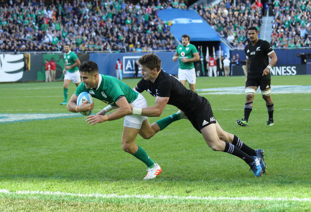 Conor Murray crosses the line. Image: Carlos Stalgis