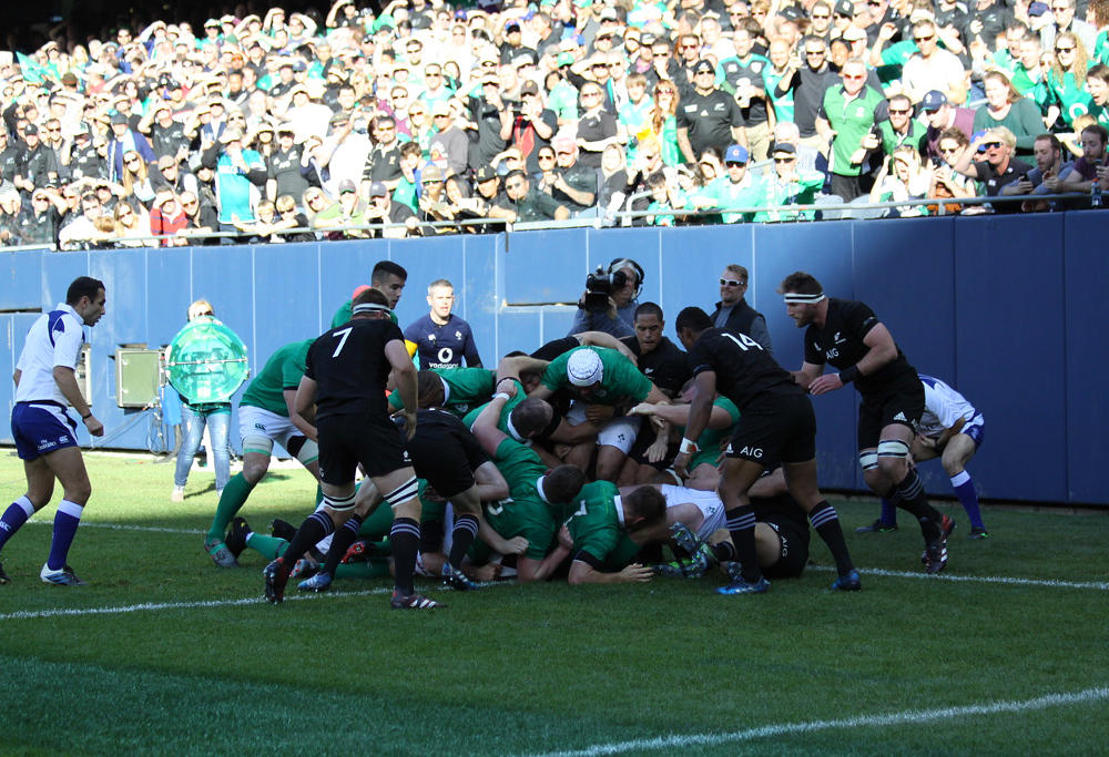 Ireland get their first try against New Zealand. Image: Carlos Stalgis