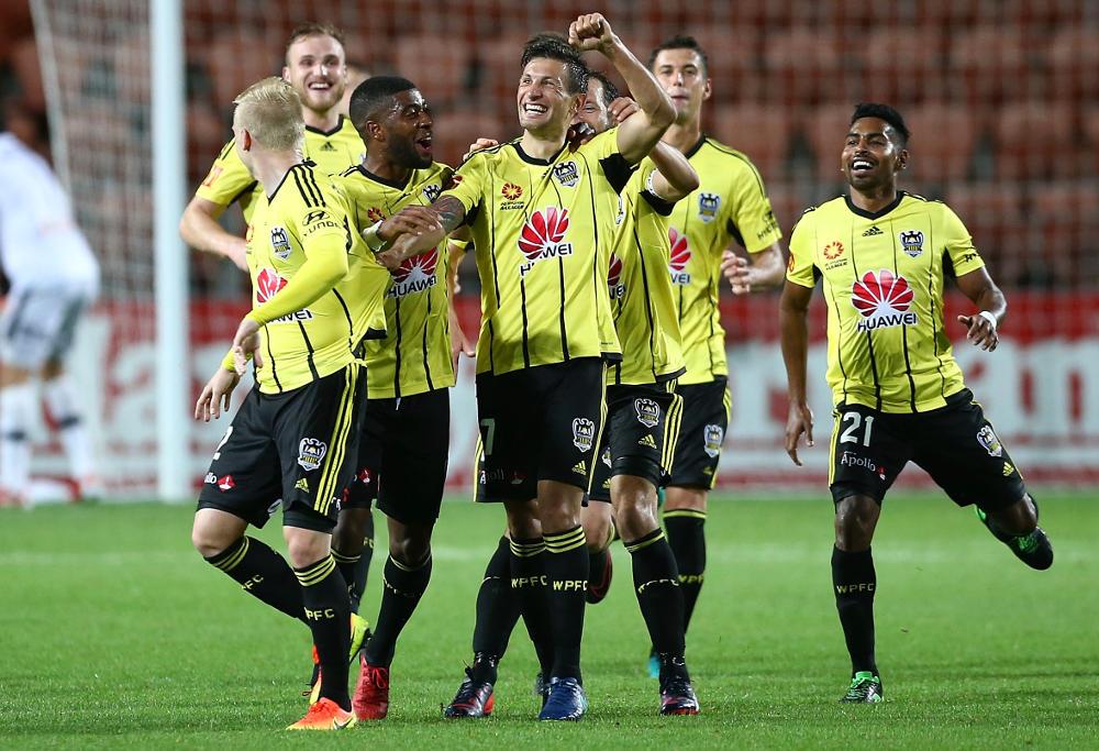 vince-lia-wellington-phoenix-a-league-football