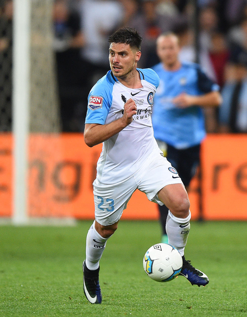 Brun Fornaroli dribbles the ball