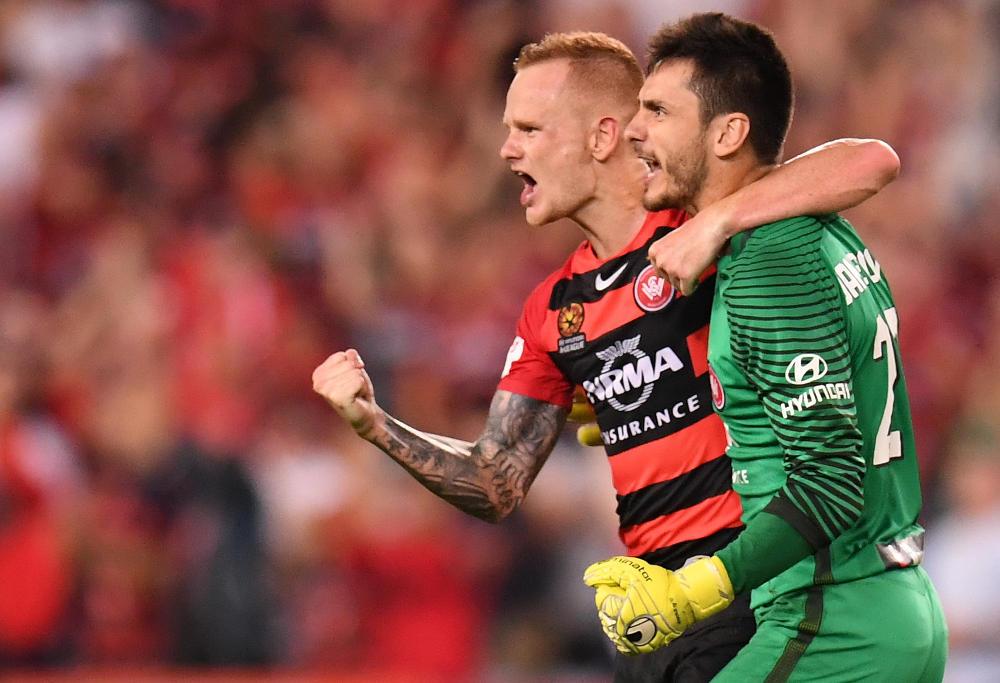 jack-clisby-vedran-janjetovic-western-sydney-wanderers-a-league-football-2017