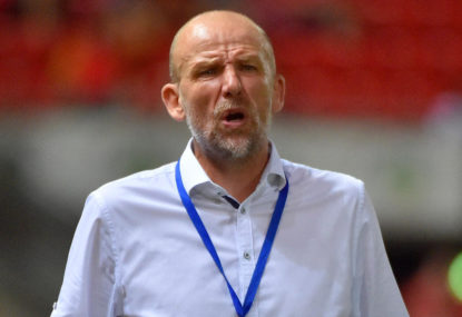 Kenny Lowe calls for simultaneous starts in A-League final round