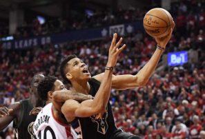 Antetokounmpo makes Milwaukee the NBA's most fascinating uncertainty