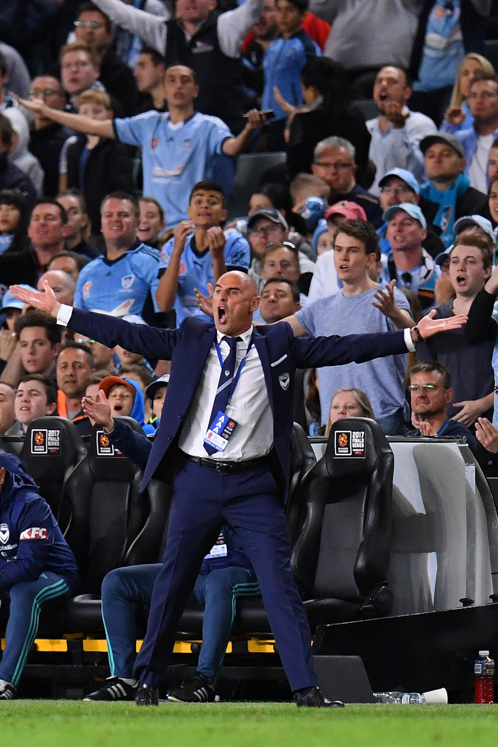 Kevin Muscat Melbourne Victory A-League Grand Final 2017 tall