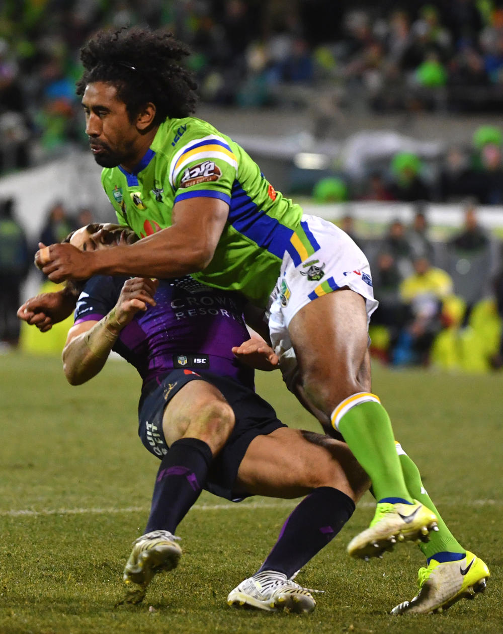 sia-soliola-billy-slater-tackle-tall