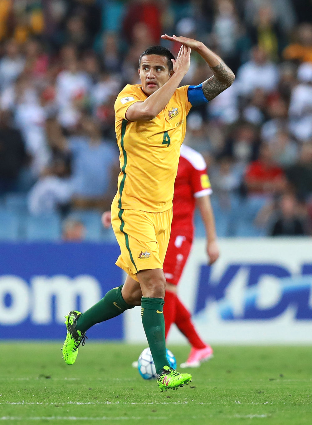 Tim Cahill tall