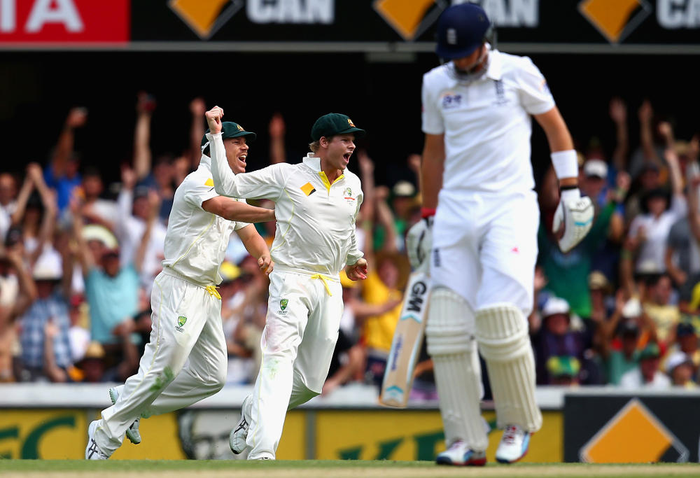 steve smith david warner celebrate joe root wicket