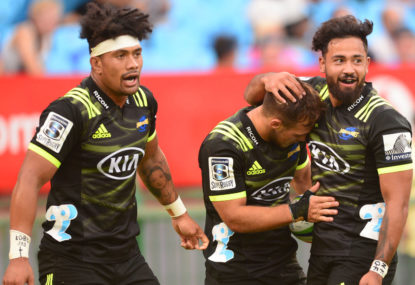 Bulls upset Hurricanes with late try