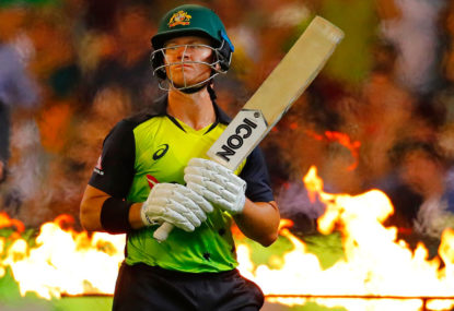 Aussies into tri-series final with seven-wicket smashing of England