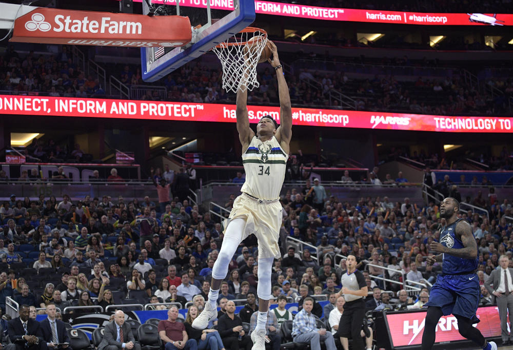 Giannis Antetokoumpo dunks against Orlando