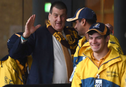 Kennett to quit as Hawks president