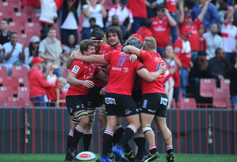 JOHANNESBURG, SOUTH AFRICA - JULY 29: Kwagga Smith celebrating his try with team mates during the Super Rugby, Semi Final match between Emirates Lions and Hurricanes at Emirates Airline Park on July 29, 2017 in Johannesburg, South Africa. (Photo by Gallo Images)