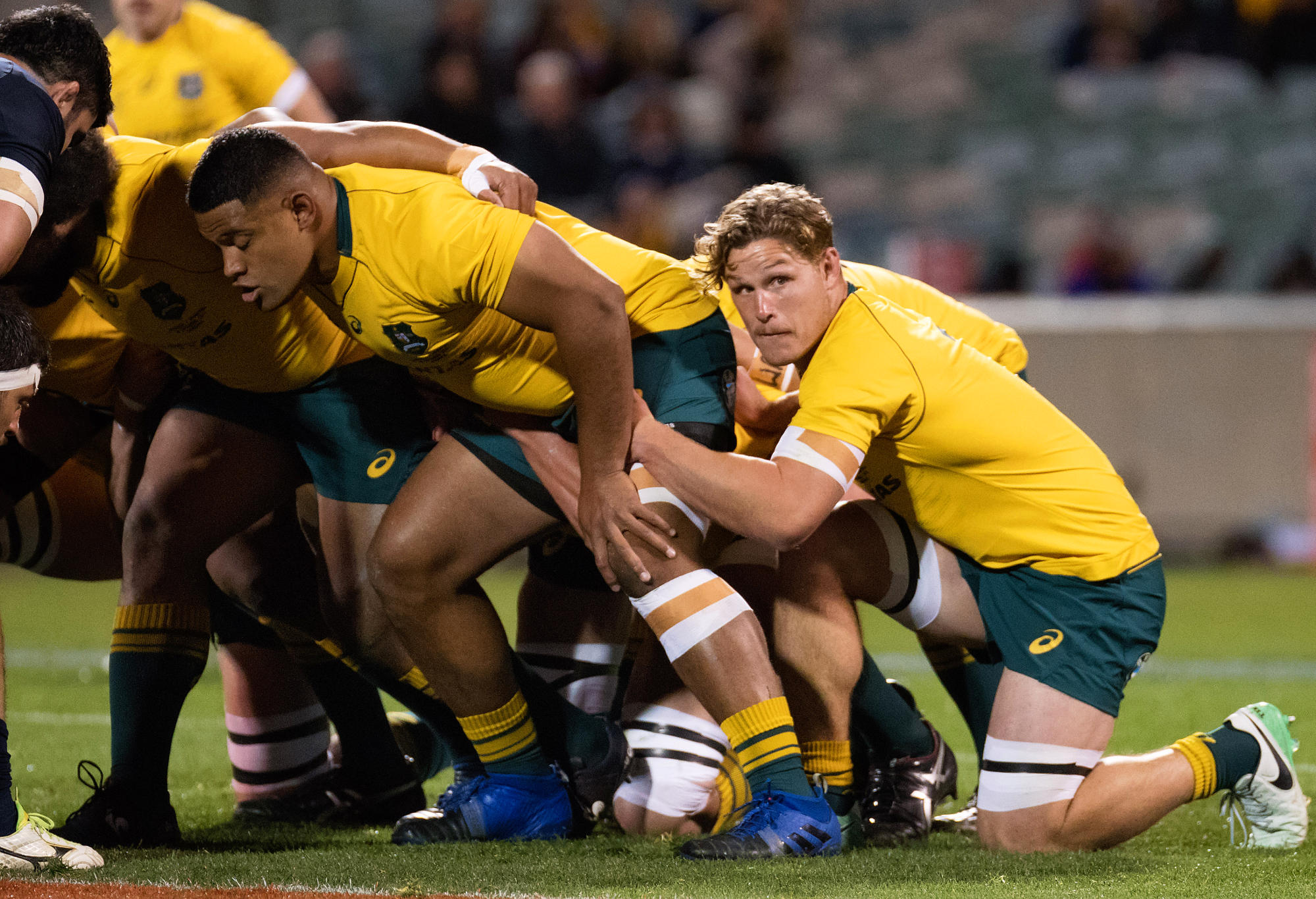 Wallabies flanker Michael Hooper gets ready to join the scrum at the 2017 Rugby Championship game between the Australia Wallabies and the Argentina Pumas on September 16, 2017.