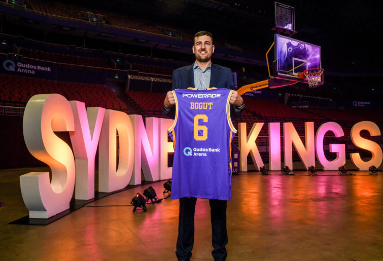 Andrew Bogut signs with Sydney Kings