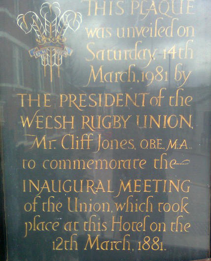 The historic plaque outside the Castle Hotel.