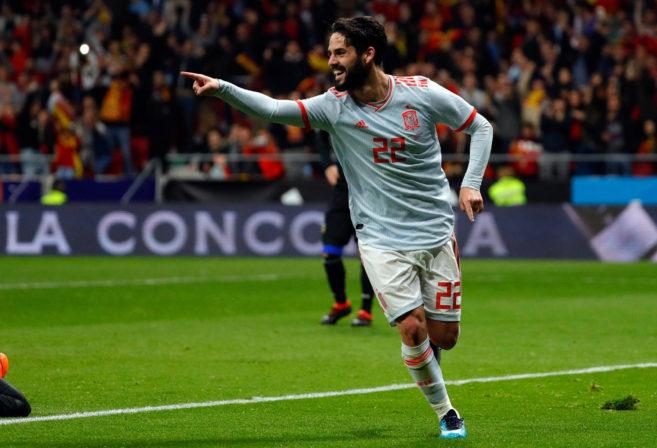 Spain's Isco celebrates.