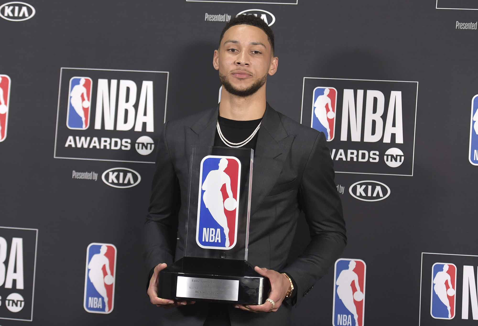 There Should Be No Debate Ben Simmons Is The Rookie Of The Year