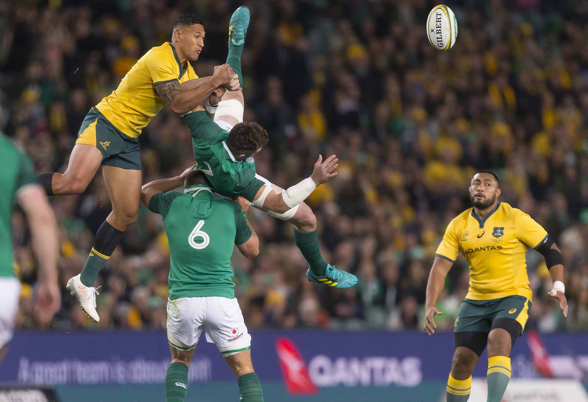 Israel Folau flies high