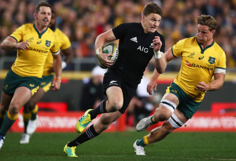 Beauden Barrett runs with the ball
