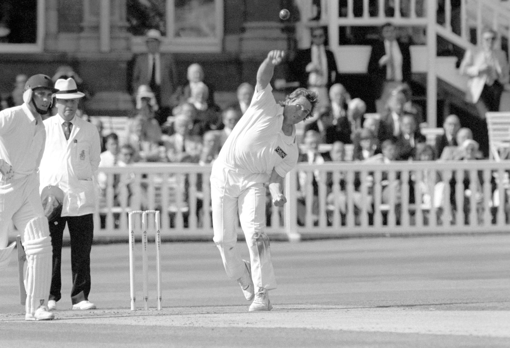 Kevin Curran of Zimbabwe, bowling for Leicestershire.