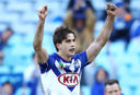 Lewis gets Bulldogs over the line