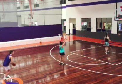 Triple basketball trick shot is too good!